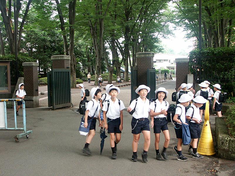 正門通学風景